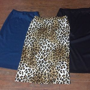 Dresses & Skirts - NWT Leopard Print Pencil Skirt